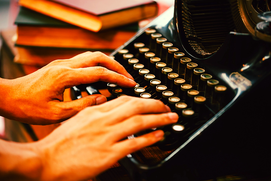 Comment écrire un roman en 7 étapes : de l'écriture à la publication