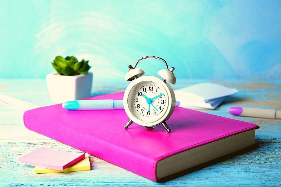 Gérer la chronologie (timeline) dans son roman